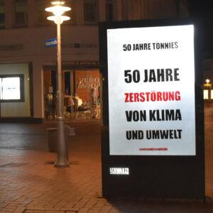Adbustingaktion anlässlich des 50. Firmenjubiläums von Tönnies